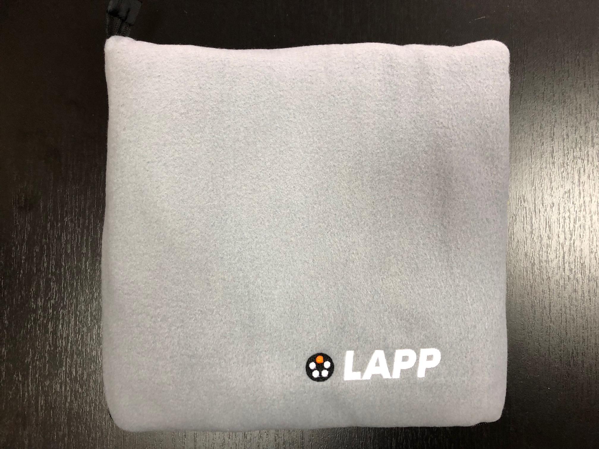 Плед-подушка и пледы для пикника с нанесением логотипа